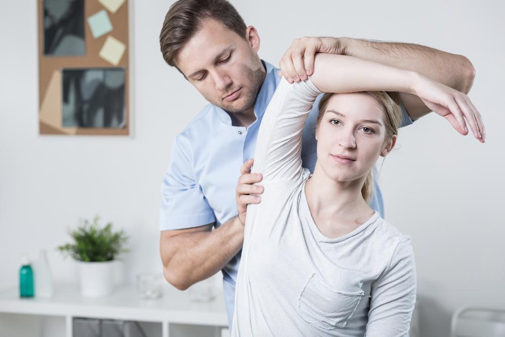 rehabilitacja mlodej pani