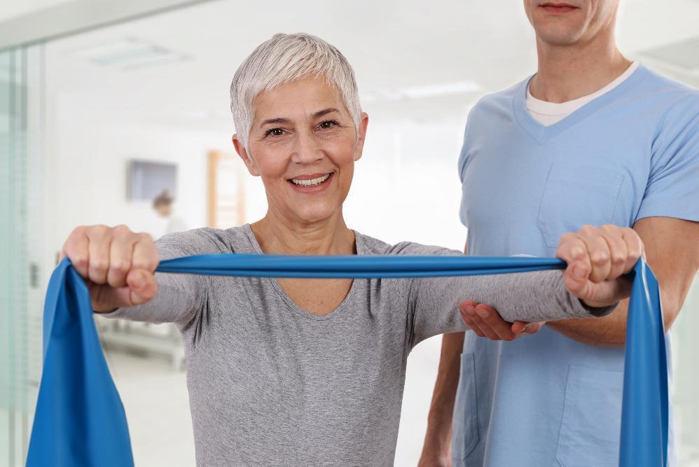 starsza pani ztasma elastyczna